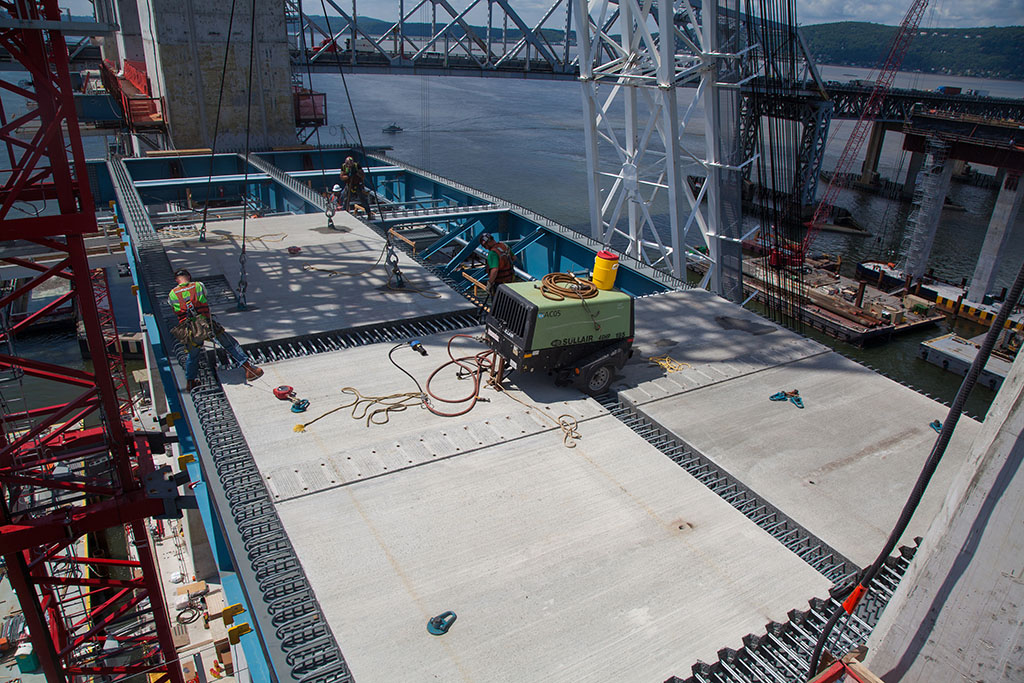 Sullair compressors working on the New NY Bridge Project